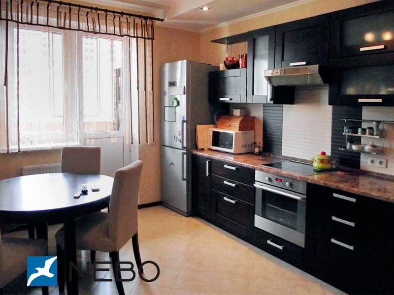 Дизайн кухни 4 метра на 4 метра с окном