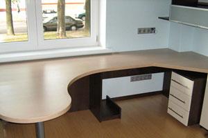 Угловой компьютерный стол -2