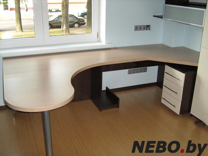 модели угловых компьютерных столов фото
