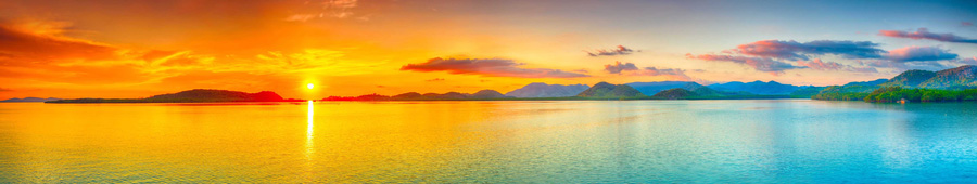 Скинали - Красивый оранжевый закат над морем