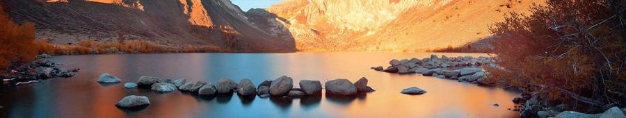 Скинали - Озеро в горах Национального парка Йосемити, Калифорния