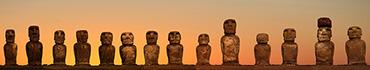 Скинали - Великаны острова Пасхи на закате