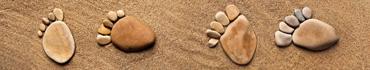 Скинали - Следы из камней на песке