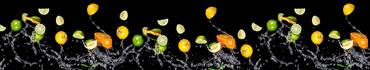 Скинали - Цитрусы в брызгах воды на черном фоне