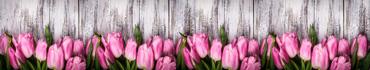 Скинали - Розовые тюльпаны на деревянном фоне