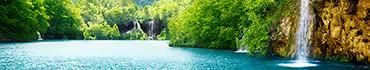 Скинали - Живописный водоем с водопадами