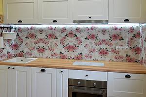 Фартуки для кухни из стекла: фото - 579