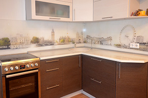 Фартуки для кухни из стекла: фото - 581