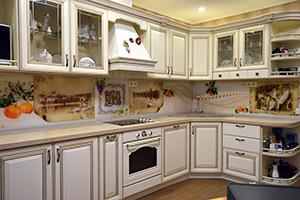 Фартуки для кухни из стекла: фото - 586