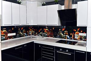 Фартуки для кухни из стекла: фото - 354