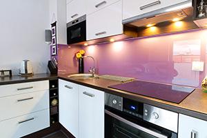 Фартуки для кухни из стекла: фото - 388