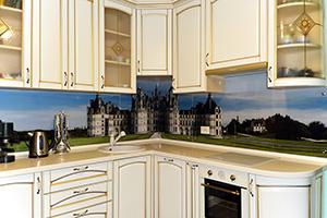 Фартуки для кухни из стекла: фото - 358