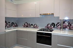 Фартуки для кухни из стекла: фото - 346