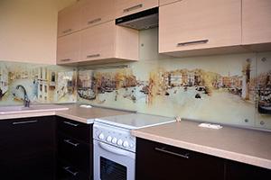 Фартуки для кухни из стекла: фото - 347
